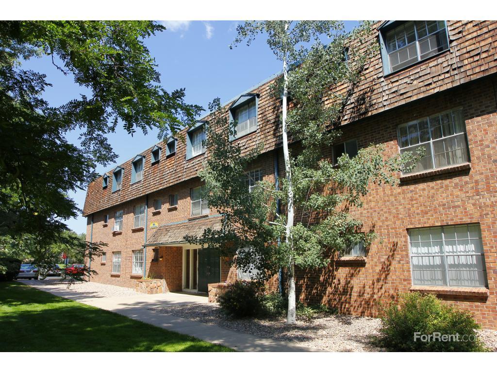 Garden Walk Mall: Garden Center Apartments, Broomfield CO