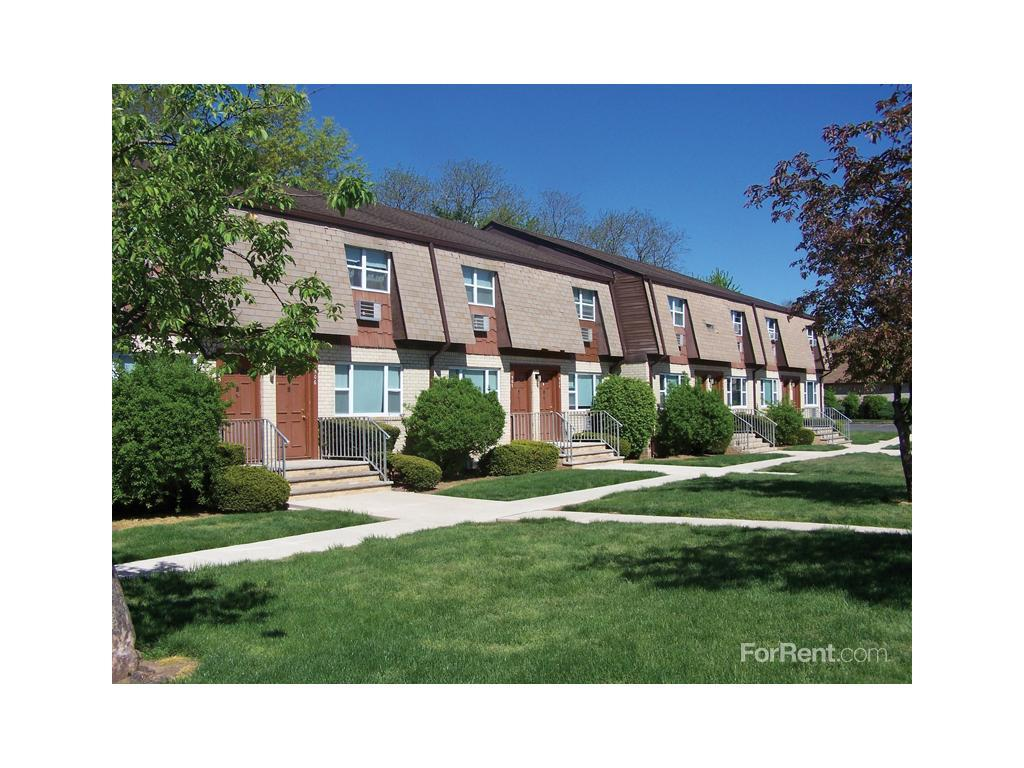 Woodbridge Village Apartments photo #1