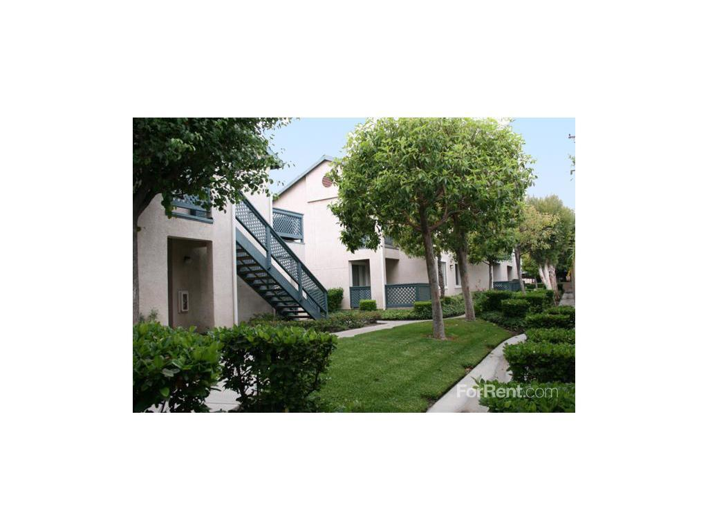 Summerhill Village Apartments Anaheim