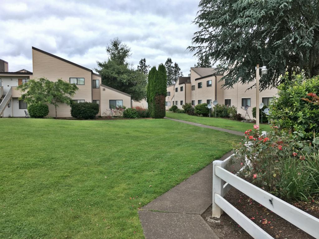 Pheasant Park Apartments photo #1