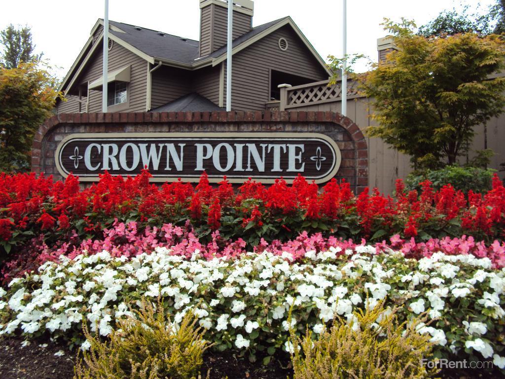 Crown Pointe Apartments photo #1