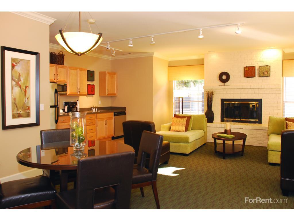 Auburn Glen Apartments photo #1