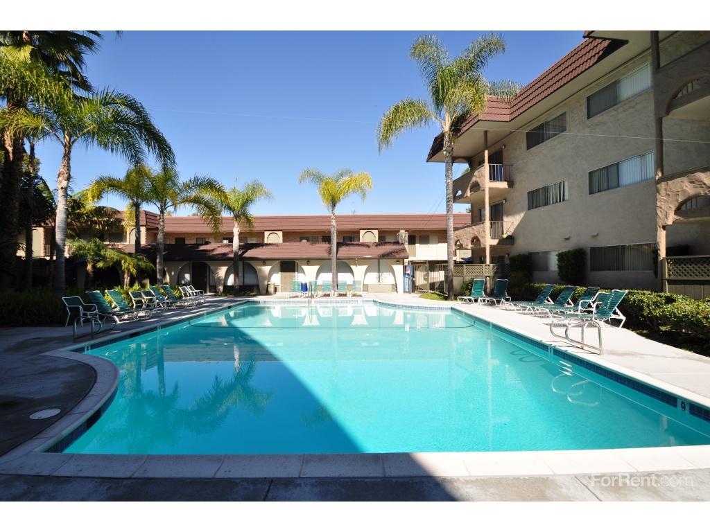 Villa Del Sol Apartments photo #1