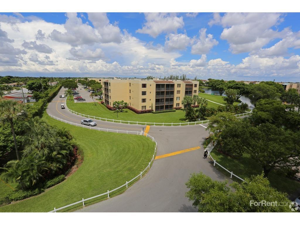 Somerset Apartments Lauderdale Lakes