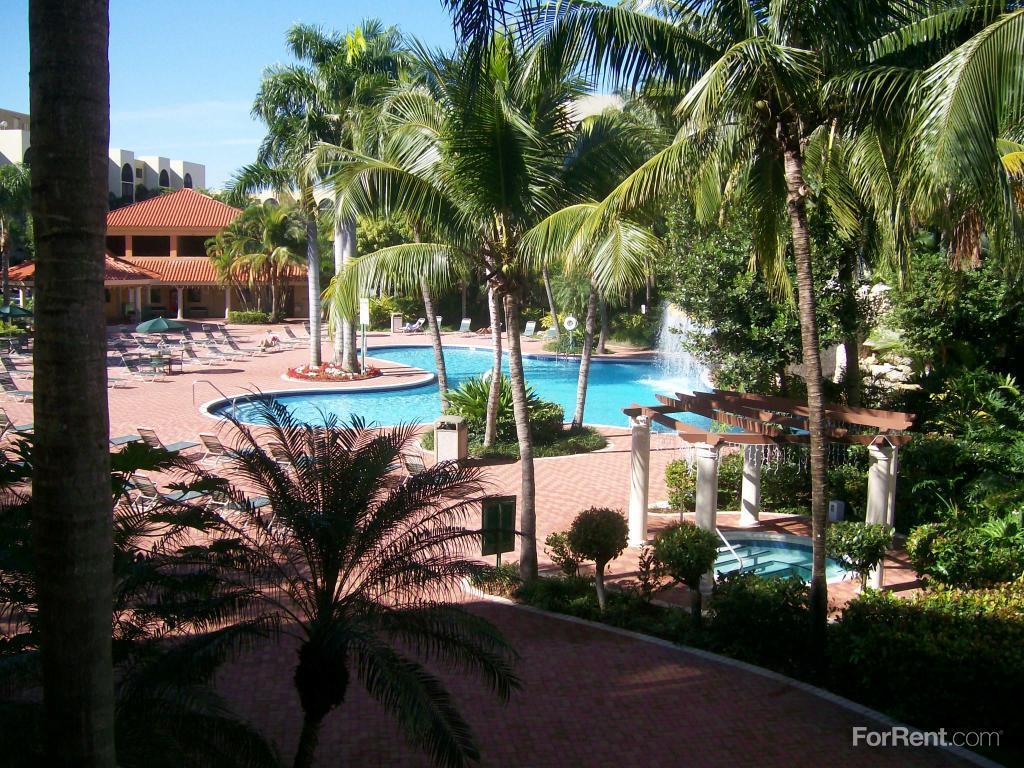 Fontainebleau Milton Luxury Rentals Apartments