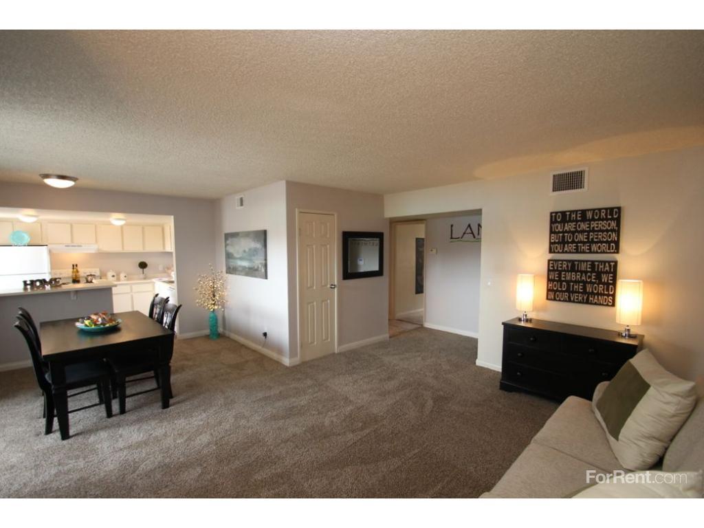 Lantana Apartments photo #1