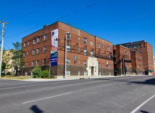 485 King Edward Avenue photo #1