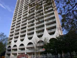 100 Spadina Road Apartments photo #1