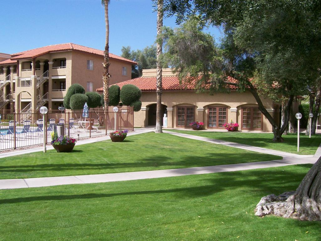 Canyon Oaks Apartments photo #1