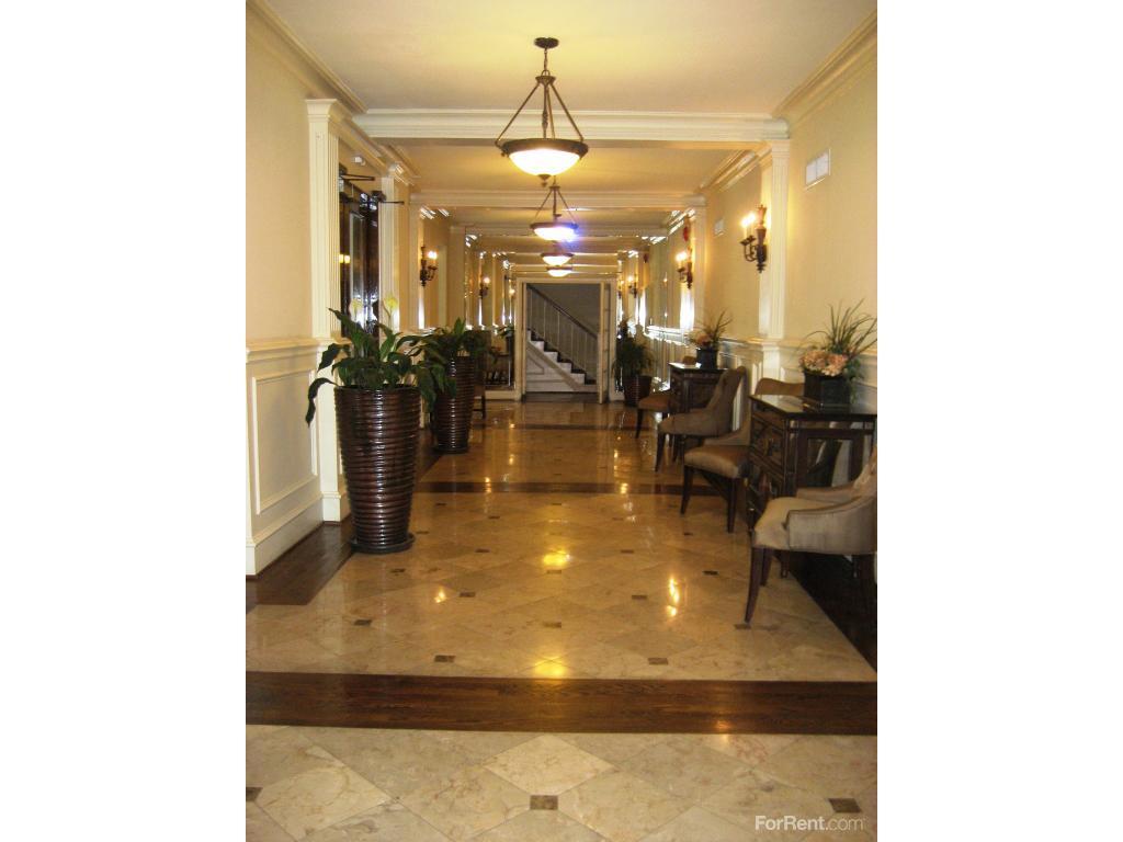 Argyle Apartments photo #1