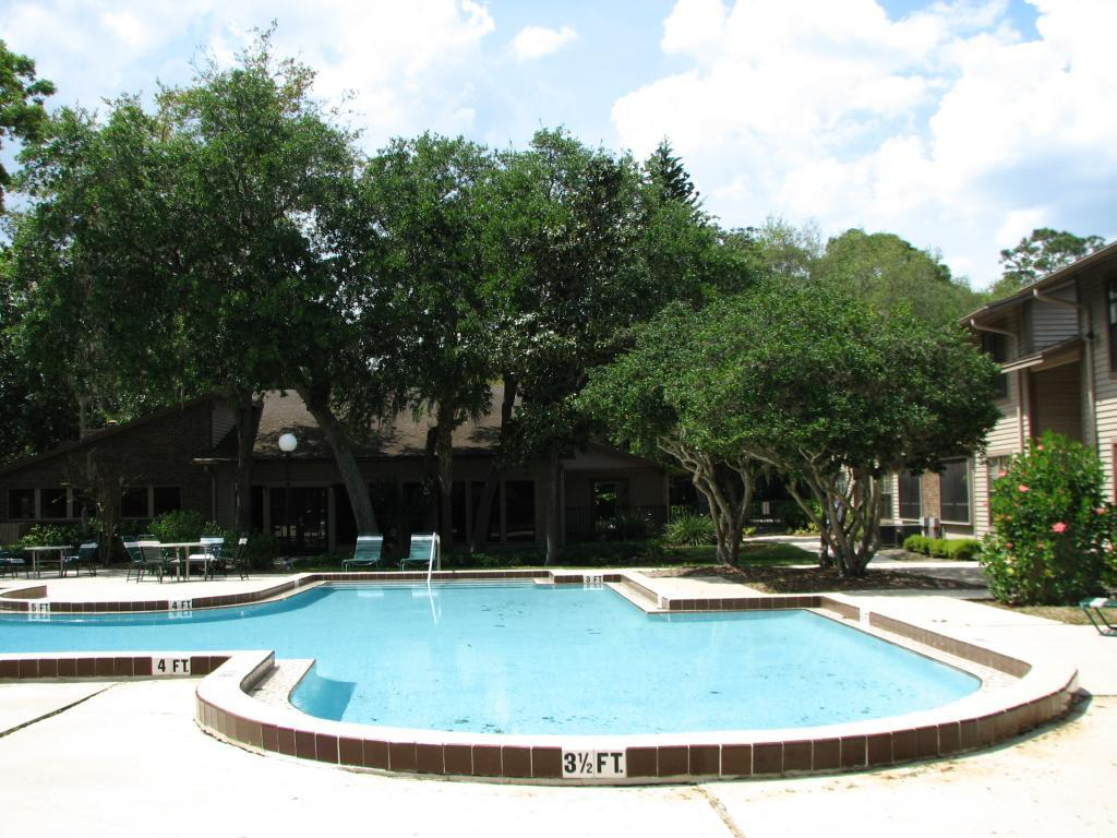 The Oaks Of Lakebridge Apartments photo #1