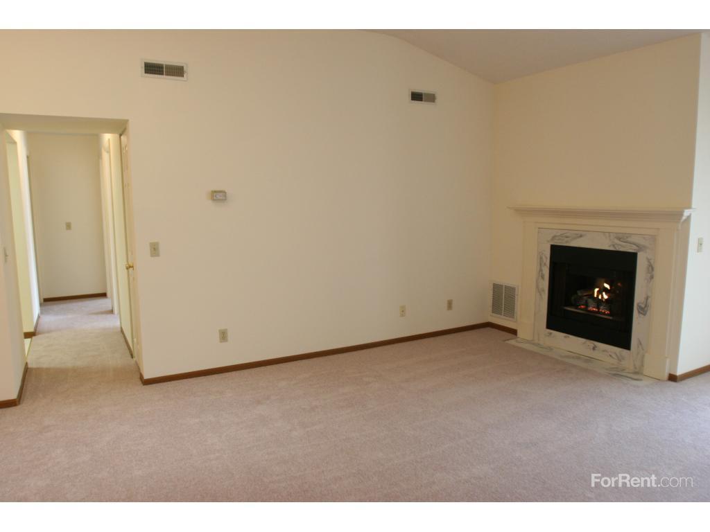 Bob-O-Link Apartments ...