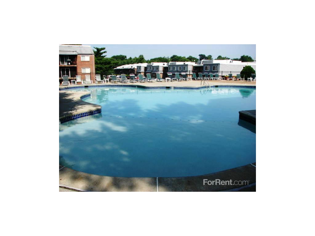 One Bedroom Apartments In St Louis Mo Marlborough Trails Apartments And Townhomes St Louis Mo