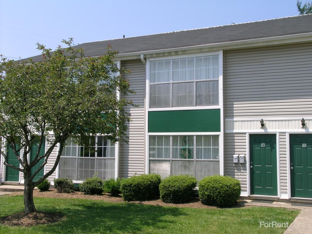 Briarwood Court Apartments photo #1