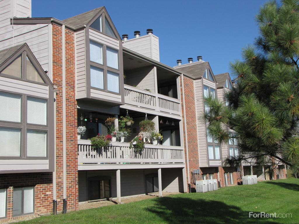 Ponderosa Pointe Apartments photo #1
