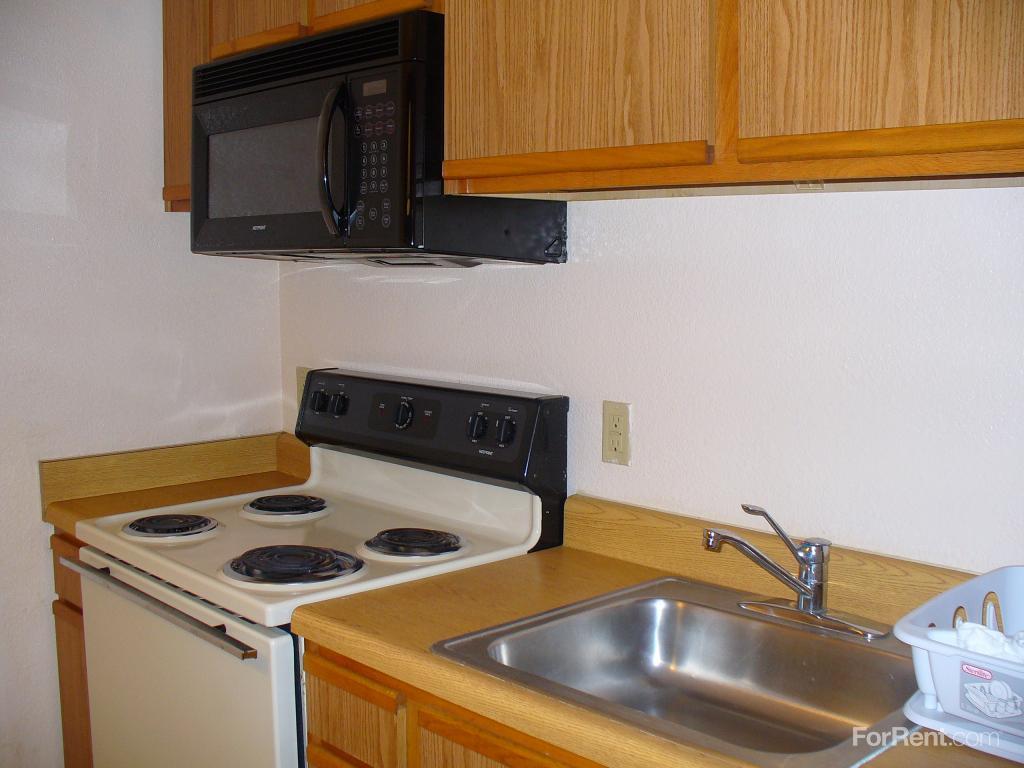 Budget Suites Apartments photo #1