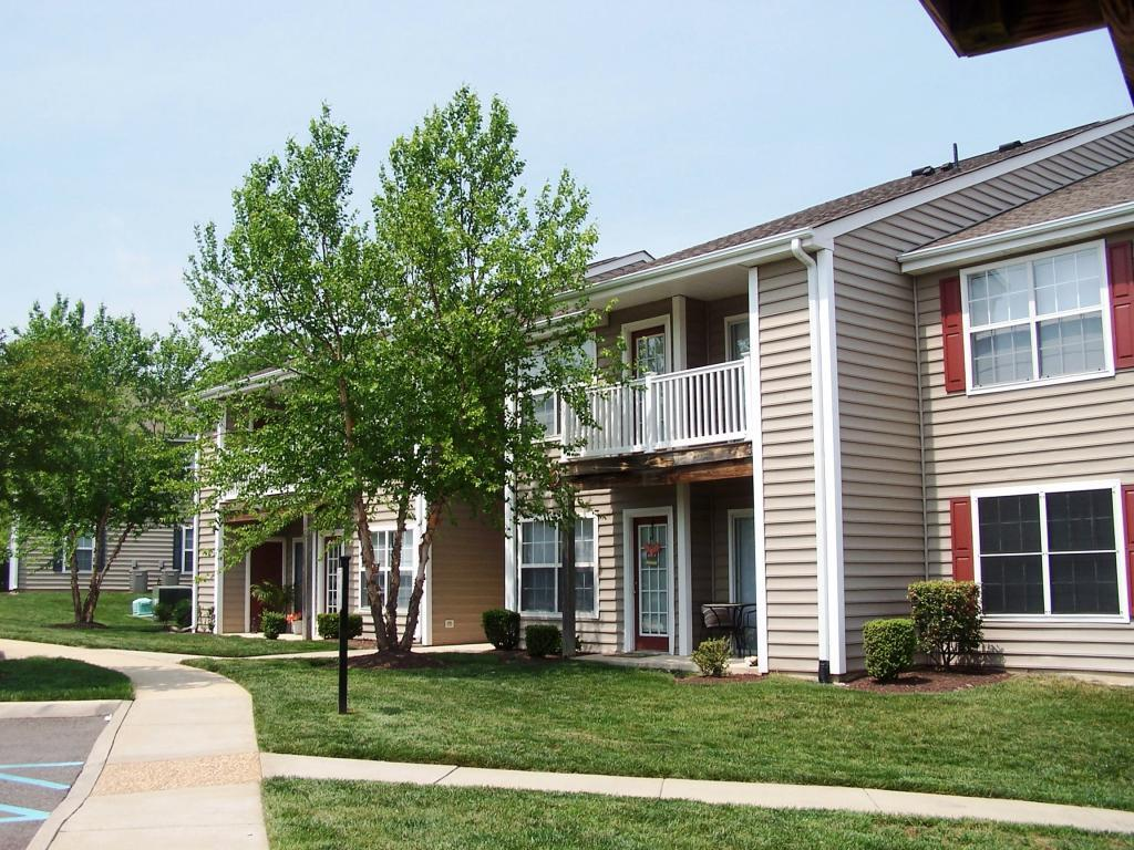 Hillpoint Woods Apartments photo #1