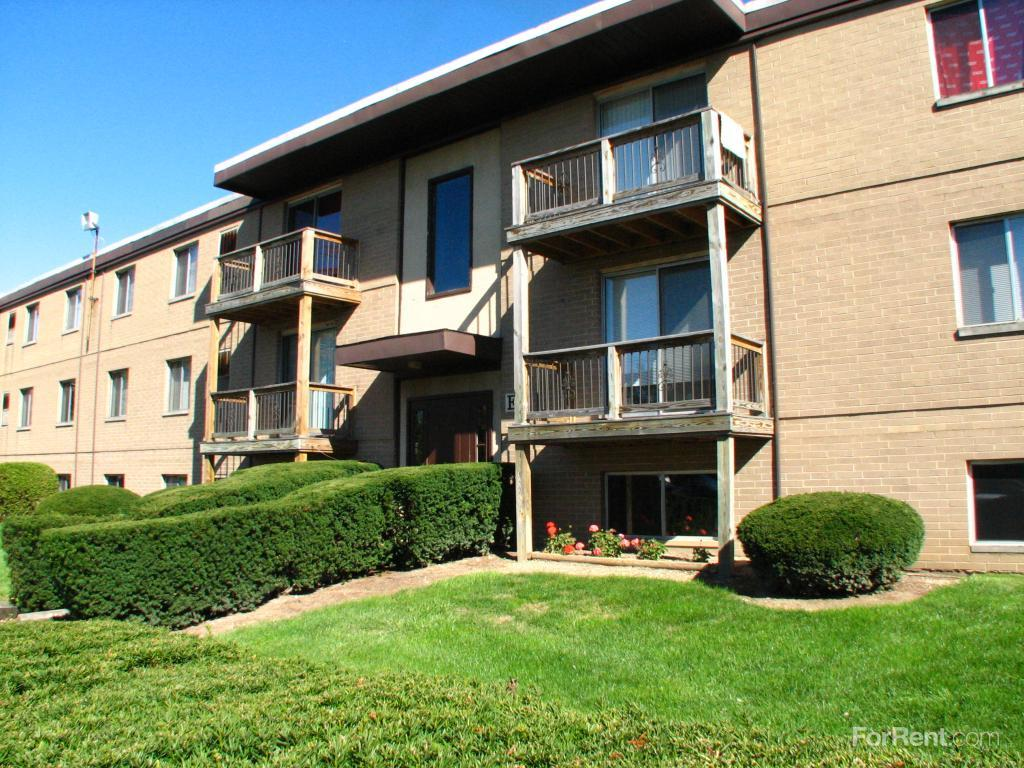 College Park Townhouses Commodore Arms Apartments Elyria OH Walk Score