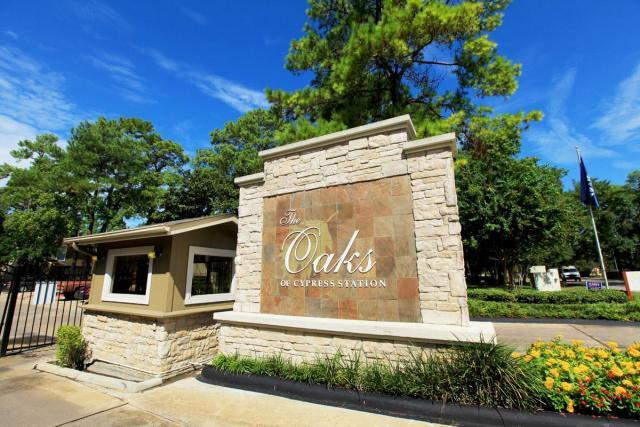 Oaks Of Cypress Station Apartments photo #1