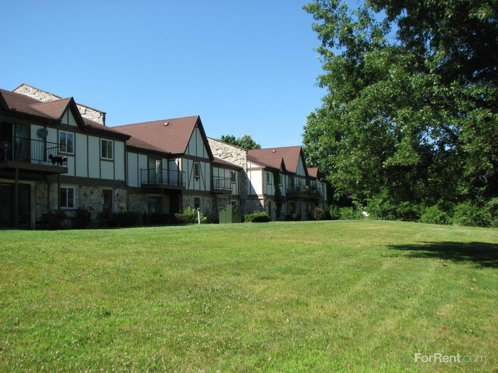 Golfview Manor Apartments photo #1