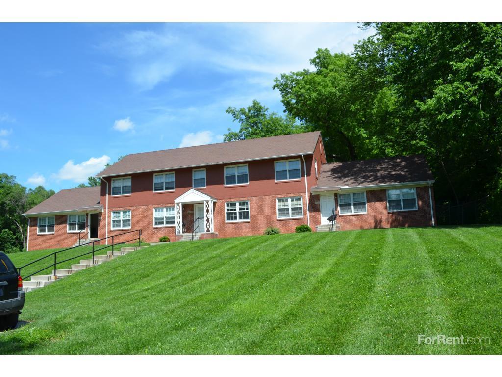 Fairfax Bluffs Apartments photo #1