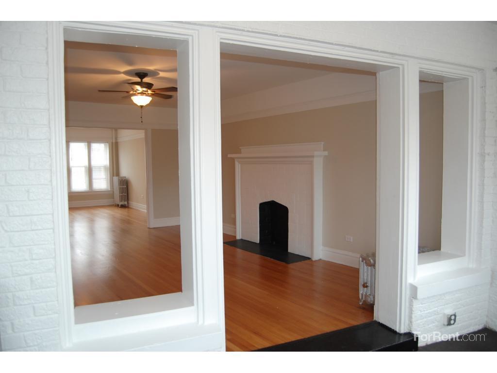 1233 W. Jarvis Avenue Apartments photo #1