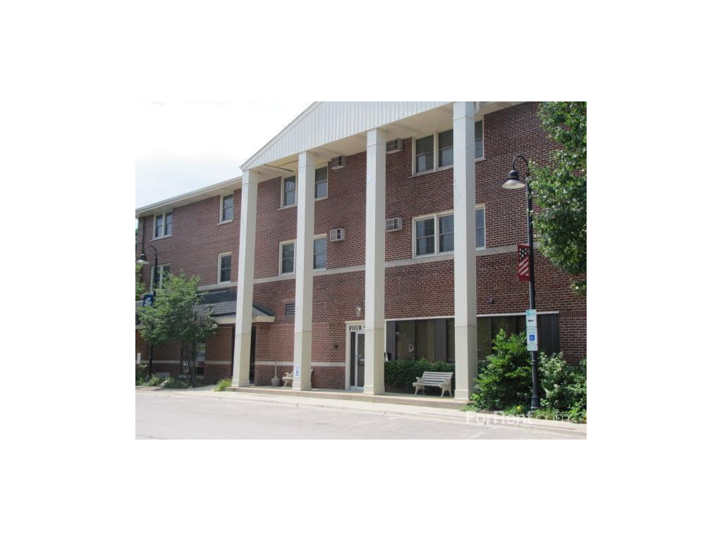 Walker Apartments Clarendon Hills