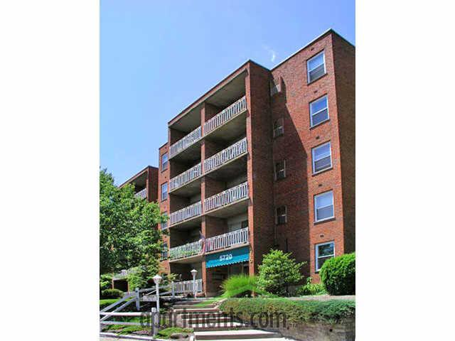 Wynbrook Apartments photo #1