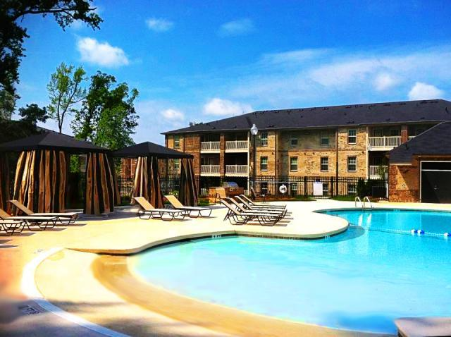 Innisbrook Village Apartments photo #1
