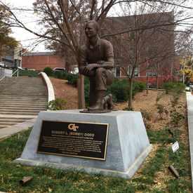 Photo of Bobby Dodd Monument