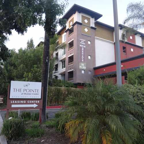 photo of The Pointe at Warner Center at 6150 Canoga Avenue Woodland Hills CA 91367