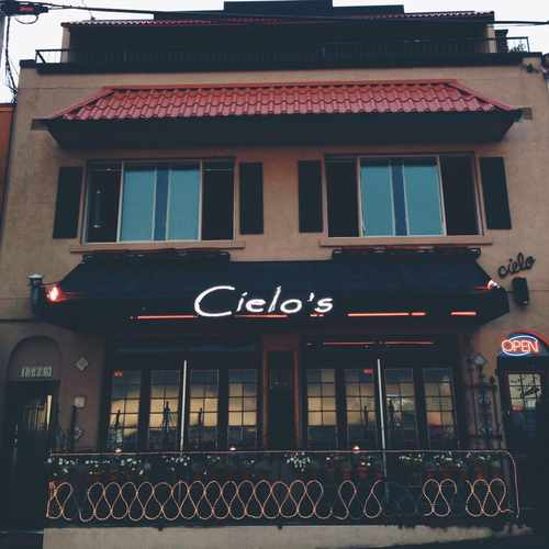 photo of Cielo's Tapas and Oyster Bar at 15069 Marine Drive White Rock BC Canada