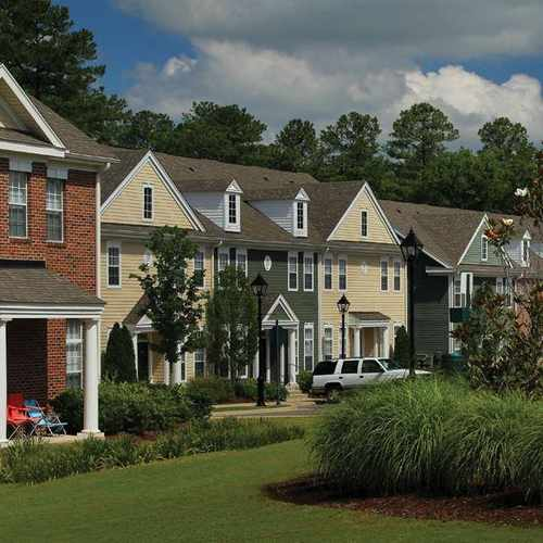 The Pointe At New Town Apartments, Williamsburg VA