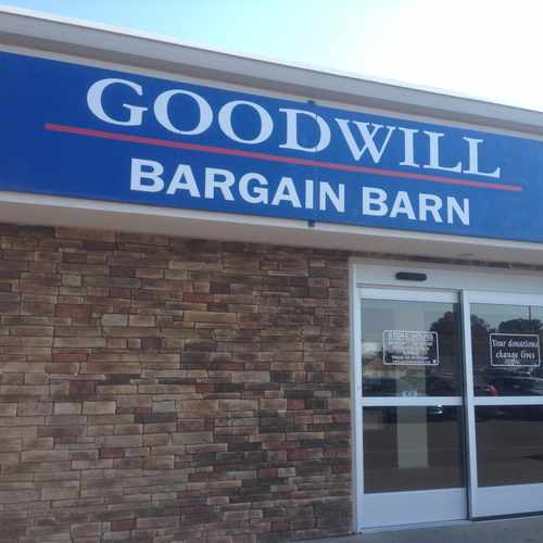 photo of Goodwill bargain barn at 6910 Brook Meadow Road Memphis TN 38133