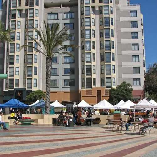 photo of Fillmore Farmers Market at 1475 Fillmore Street San Francisco CA 94115
