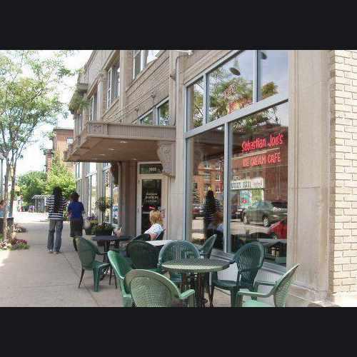 photo of Sebastian Joe's Ice Cream Cafe at 1007 W Franklin Ave Minneapolis MN 55405
