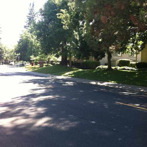 photo of 43RD AVE & WOODSHIRE WAY (EB) at 6140 Gloria Drive Sacramento CA 95831