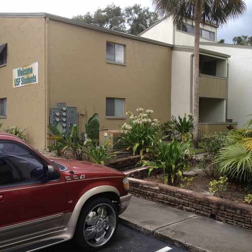 photo of Urban Place Apartments at 13401 North 50th Street Tampa FL 33617