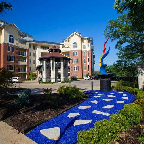 photo of Mansions On the Plaza at 8300 Delmar Boulevard St. Louis MO 63124