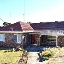 Rental info for Close to schools, UNI and shuttle bus at your doorstep. in the Figtree area