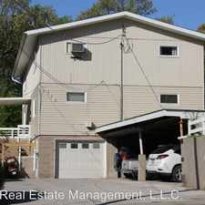 Rental info for 119 River St in the Iowa City area
