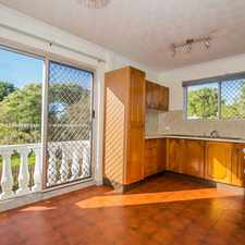 Rental info for Ultra Convenient Unit - Close to Transport! in the Annerley area