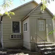 Rental info for 814 SW 14th St in the Pendleton area