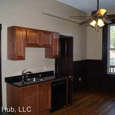 Rental info for 935 University Ave - 4 in the St. Paul area