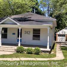 Rental info for 742 E. Apple Ave. in the Muskegon area