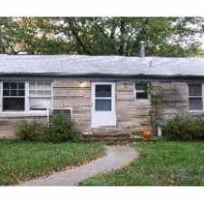 Rental info for 913 S. Lincoln Street in the Bloomington area