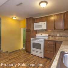 Rental info for 4660 NW 52nd St in the Des Moines area
