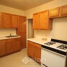 Rental info for 2948 N SEELEY 2948-1 in the Roscoe Village area