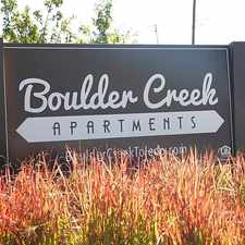 Rental info for Boulder Creek Apartment Homes in the Beverly-Harvard area