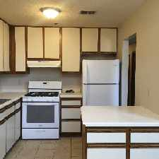 Rental info for Crocus Hill Flats in the Summit - University area